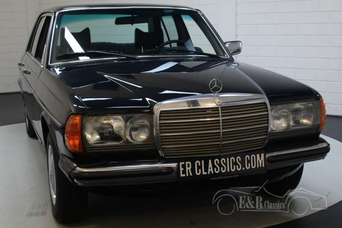 Mercedes-Benz 250 W123 Sedan 1978  kopen