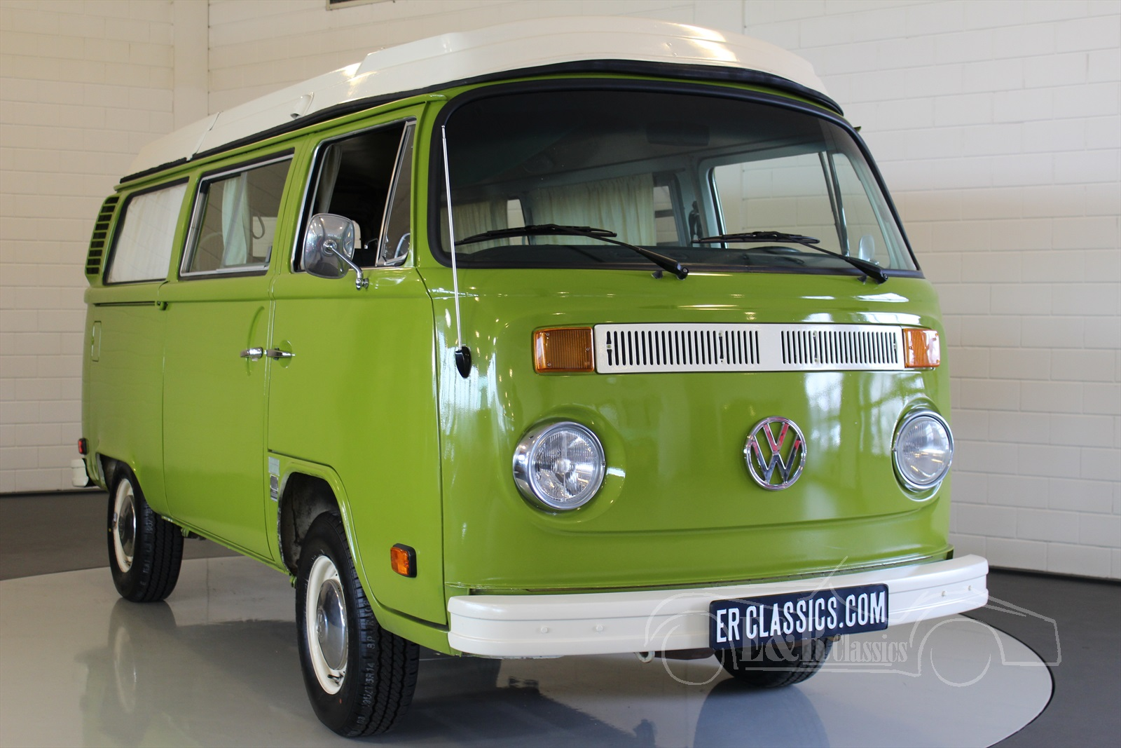 Top Volkswagen T2 oldtimers te koop bij E & R Classic Cars! &LG37